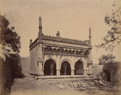 General view of the Mehtar Mahal Mosque, Bijapur 10031855